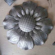 Palsu Ornamental Wrought Iron Sunflowers