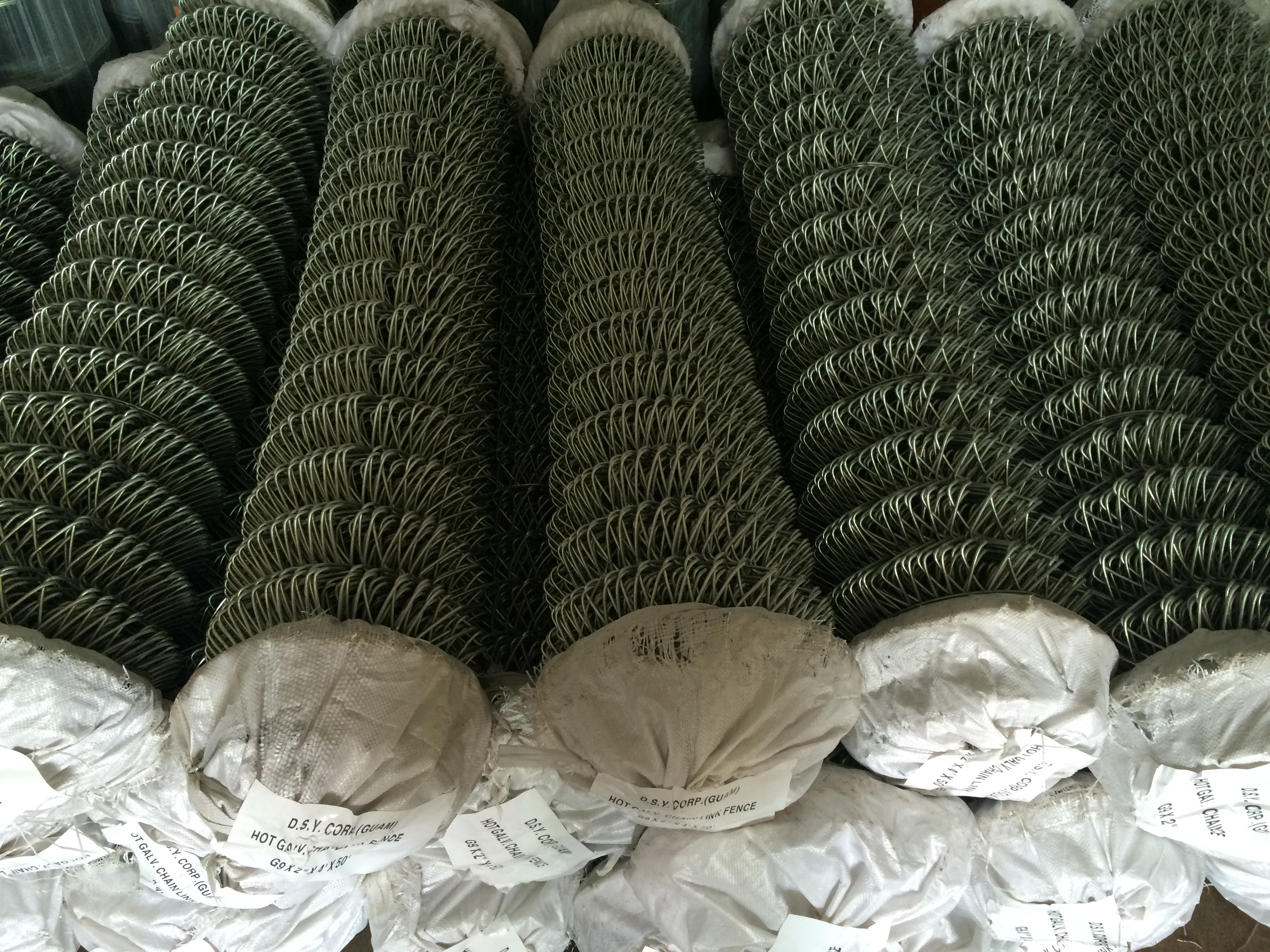 packing of galvanized wire chain link fence