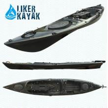 Моторная лодка с мотором длиной 4,3 м