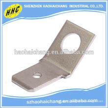 Terminaux de connecteur d'angle en laiton nickelé C268000 de haute précision