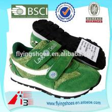 Zapatillas de deporte adorables del estilo del eje de balancín calzan la suela del insecto de EVA