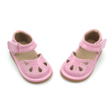 Blanda färger Rosa Kids PU Läder Squeaky Shoes