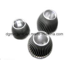 Fabricación de fundición de aluminio de aluminio OEM para piezas de LED con alto nivel Made in Dongguan