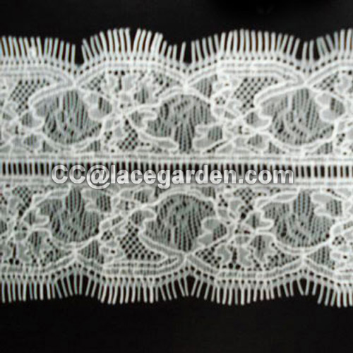 Symmetrical Eyelash Lace Design