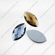 Colored Machine Cut Navette Cuentas de piedra de vidrio suelto