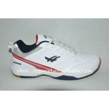 China latest man sports tennis shoes