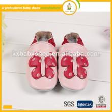 Chaussures en cuir pour enfants à la mode