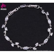 Weißes Gold überzogenes CZ-Einstellungs-Blatt-Armband für Mädchen