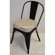 Chaise urbain industrielle avec coussin