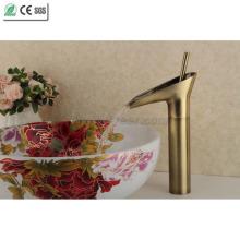 Antik Kupfer vergoldet Teekanne Badezimmer Becken Tap Wasserhahn (Q13808HQ)