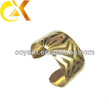 the fashion stainless steel bangle with gold plating