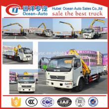 Camión de Dongfeng 4x2 del precio de fábrica con la grúa de carga para la venta