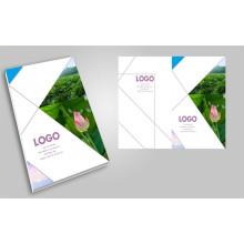 Brochure faite sur commande professionnelle de polychrome imprimant l'impression de magazine