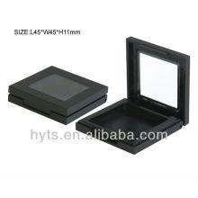 quadratische schwarze Puderquaste