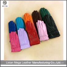 Los niños al por mayor del color invierten los guantes de cuero calientes de los niños de la pantalla táctil