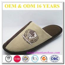 Micro camurça impressa sapatos mens promocionais inverno chinelo