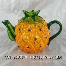 Belle théière en céramique en forme d'ananas avec un style moderne