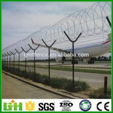 GM triángulo doblado soldado aeropuerto cerca con Y post, pvc recubierto aeropuerto cerca