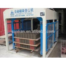 Machine de fabrication de blocs multifonctionnels / machine de fabrication de briques interverrouillées