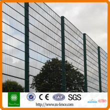 Garden fencing panel mesh