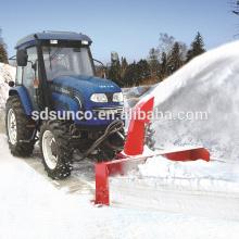 Pala de nieve delantera y barredora de nieve trasera para tractor