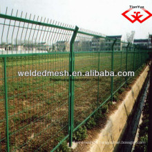 alibaba china good quality PVC coated galvanized fence netting/ 3 D fence (SGS certificate & ISO9001)