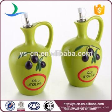 Botella de aceite de cerámica verde Con la manija