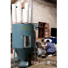 Livestock and poultry self-priming feed mill for processing feed line