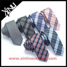 Nouvelle cravate en soie à carreaux