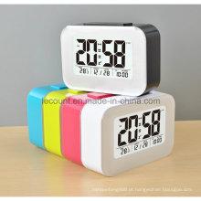 LCD relógio de mesa digital com calendário Display e modos de luz de fundo opcional (LC835)