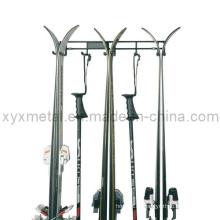 3 paires de ski et de poteaux