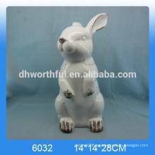 2016 nuevo conejo de pie de cerámica del hotsale de la llegada, estatuilla de cerámica del conejo, estatua de cerámica del conejo