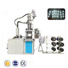 Machine automatique de moulage par injection de modules d'éclairage LED
