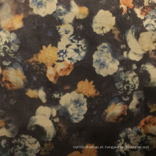 Impressão de flores em camurça para vestuário