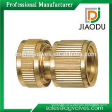 Zhejiang manufacturer high quality and low price 1/2 or 3/4 inch forged original brass color brass turning connector