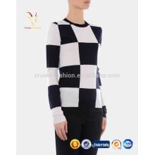 Suéter de jersey de cachemira a cuadros de cuello redondo con diseño de mujer