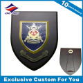 Placa de madera al por mayor del trofeo del escudo con diseño de encargo