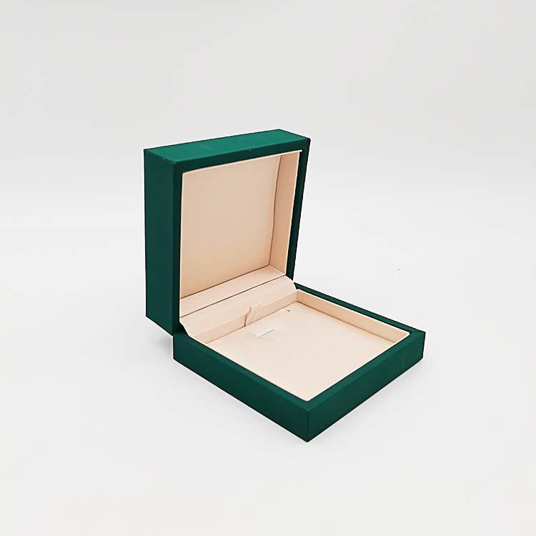 jewelry pack