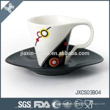 Taza y platillo de café ovalada de la porcelana 180CC, nuevo sistema de la taza del diseño, sistema pequeño de la taza