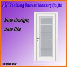 Porta de madeira nivelada pintada branca