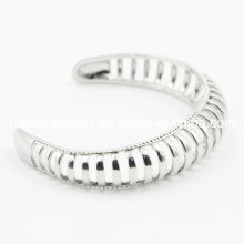 Últimas mulheres em aço inoxidável moda pulseira