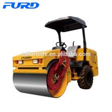 Neumático de goma compactador de suelo vibratorio de 3 toneladas (FYL-D203)