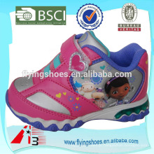 Atacado china meninas esportes PU sapatos face couro