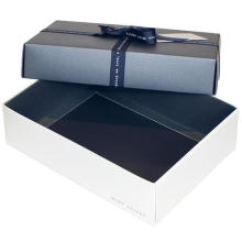 2018 Luxury Designable Gift Box With Attached Ribbon