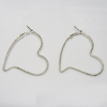 Alloy silver heart shape metal hoop earrings for woman, 48 x 57mm in outer diameter, shining rhodium plate,valentine's love gift