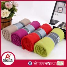 La couleur différente de haute qualité et bon marché la couverture polaire de couverture de tissu de polaire solide couvertures molletonnées
