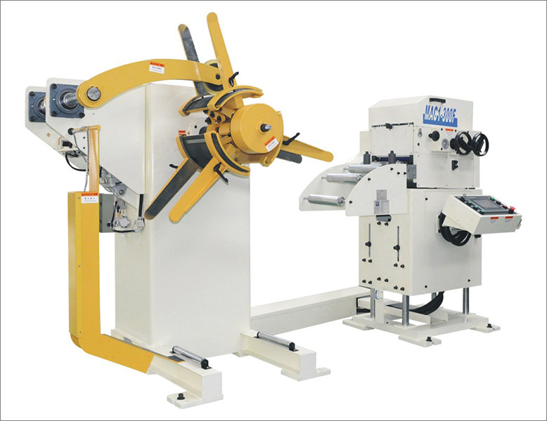 Combined decoiler straightener feeder