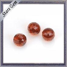 Perles rondes en verre à facettes de couleur rouge grenat