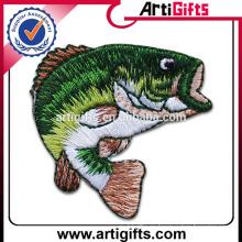 Insignias bordadas pescados de la moda de la promoción de Artigifts
