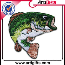 Artigifts promotion fashion fish embroidered badges